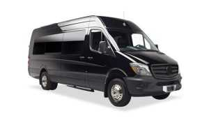 Tips in Finding the right airport car service. Denver car service_Luxury Van